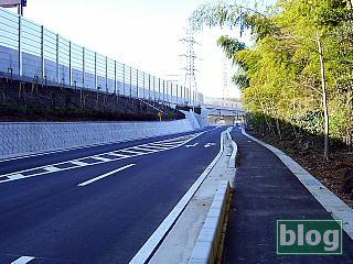 圏央道の側道の写真