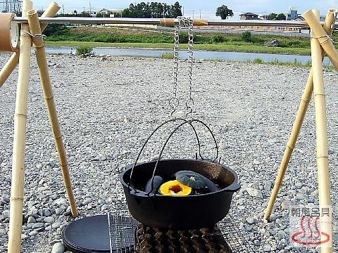 手作りダッチオーブン用ハンガーの写真